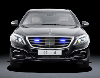 Mercedes S600 Guard vs the Apocalypse