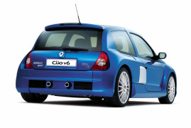 Renault Clio V6 Sport: Driver First
