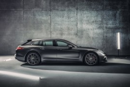 Porsche Panamera Sport Turismo: Jump In The Dark