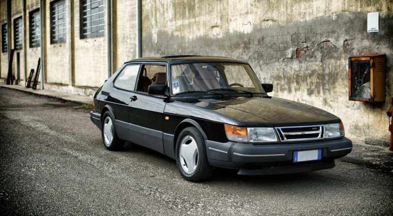saab 900 turbo the gryphon came from north auto class magazine. Black Bedroom Furniture Sets. Home Design Ideas