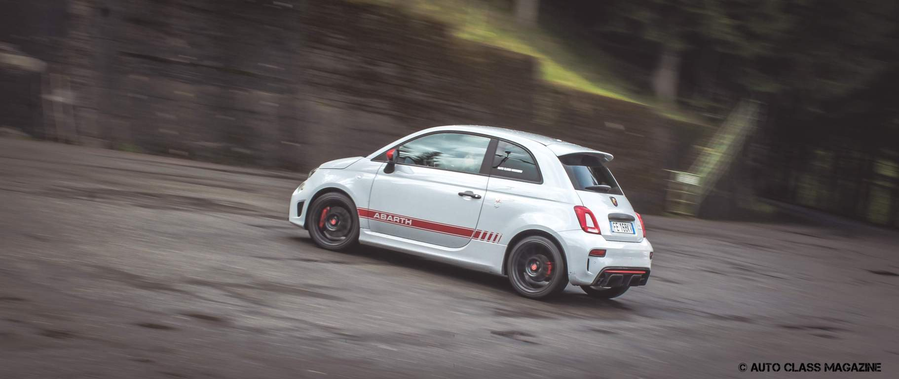 abarth 595 competizione the smallest supercar auto class magazine. Black Bedroom Furniture Sets. Home Design Ideas