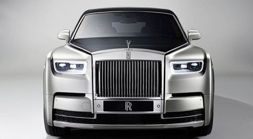 Rolls Royce Phantom VIII: The Architecture of Luxury
