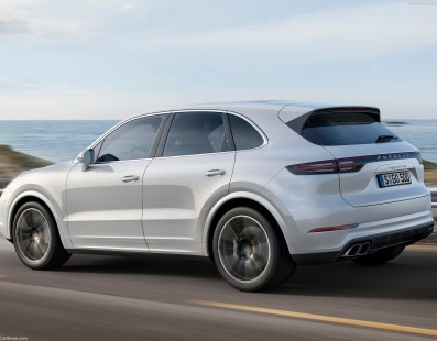 Porsche Cayenne Turbo: Even More 911ish