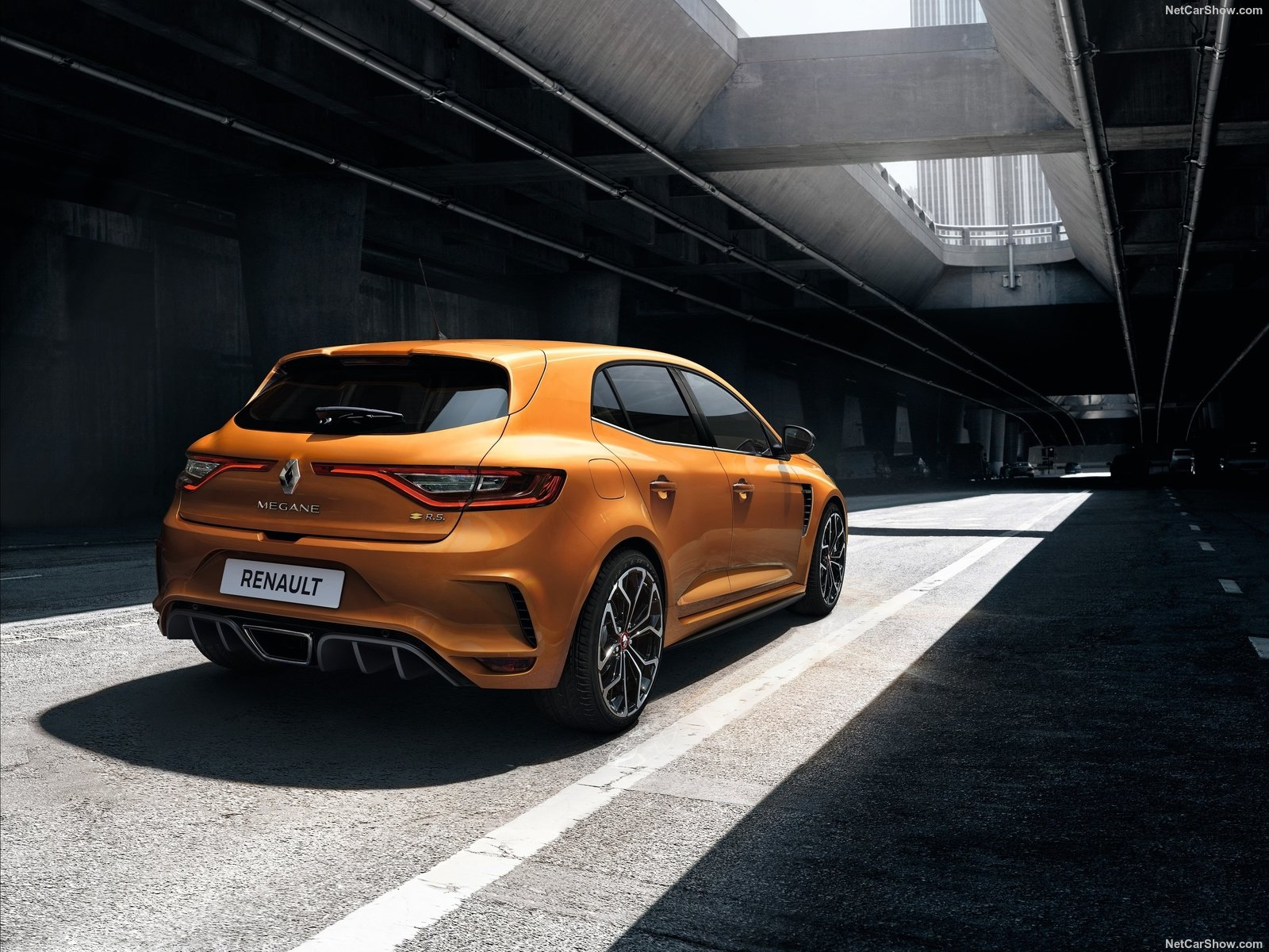 the new renault megane rs will make you feel alive again auto class magazine. Black Bedroom Furniture Sets. Home Design Ideas