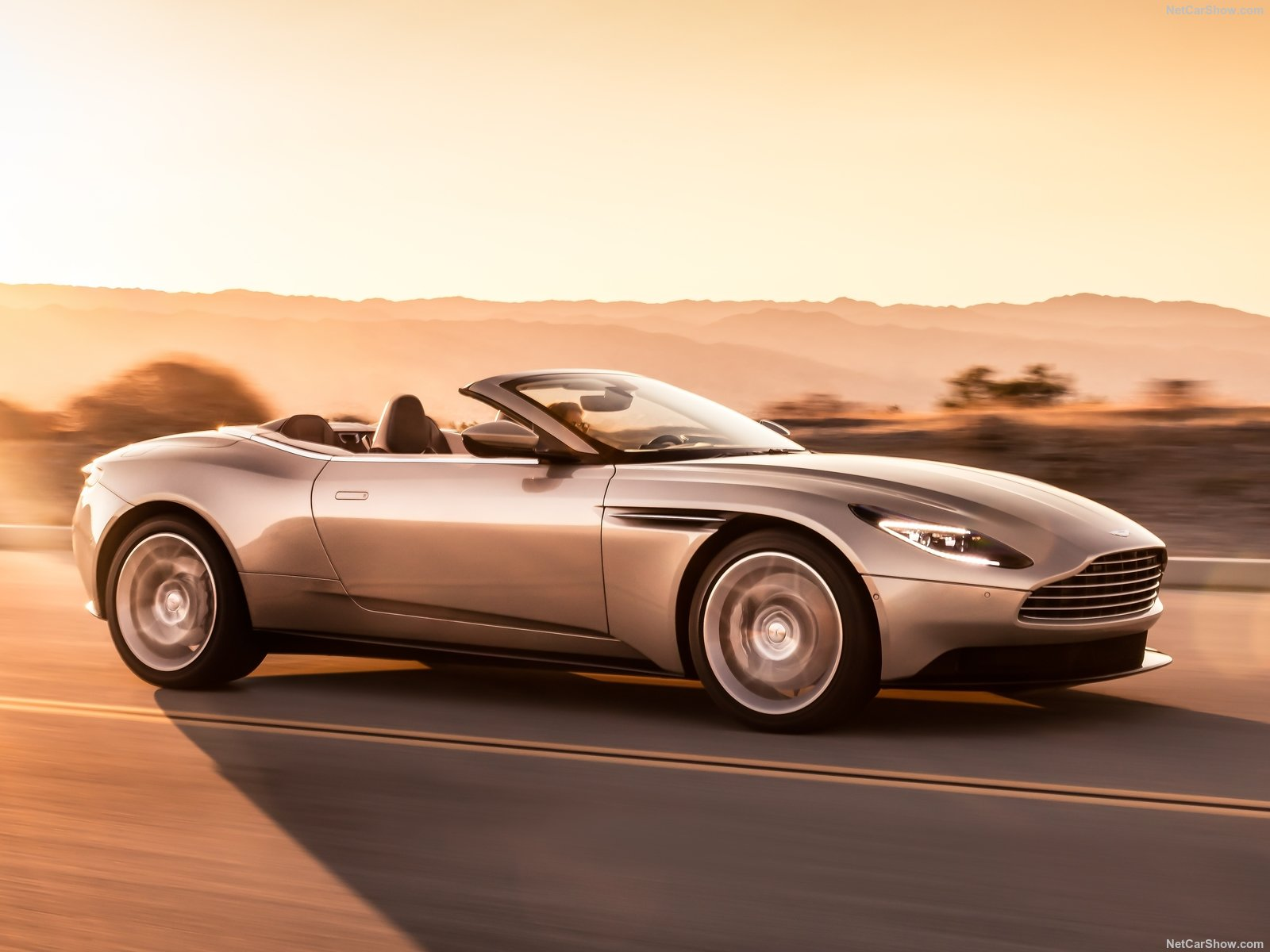 Aston Martin DB11 Volante Goddess of Beauty Loses the Roof and Fits