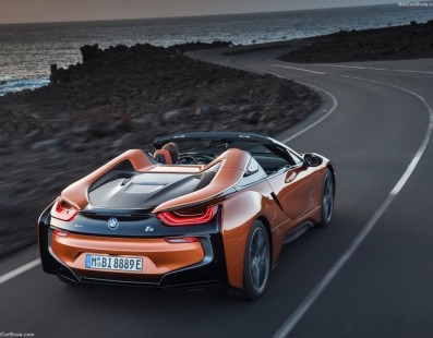 BMW i8 Roadster: The Sound of Silence