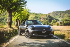 Mazda MX-5 RF: Sacred Fun
