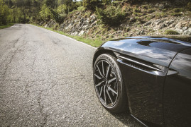 Bridgestone Potenza S007: License To Grip