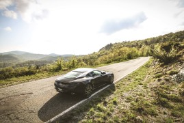 Aston Martin DB11 V8: La Voce Dell'Anima [Preview]