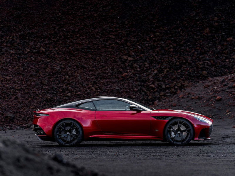 Aston Martin DBS Superleggera 9 Auto Class Magazine