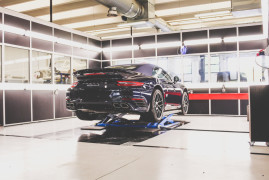 Capristo Turns On Crazy Porsche 911 Turbo Performance