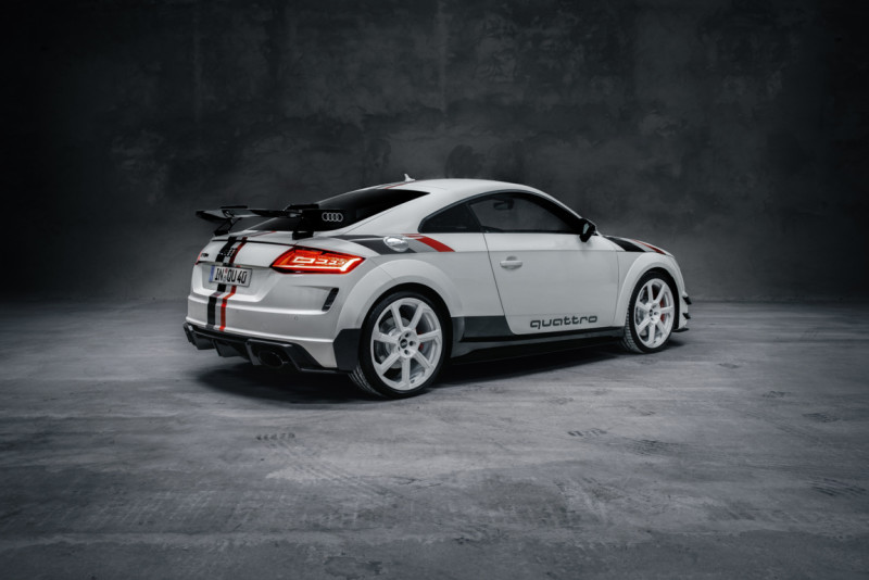 A207022_large Auto Class Magazine Audi TT RS 40 Years of Quattro