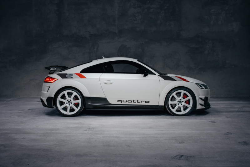 A207023_large Auto Class Magazine Audi TT RS 40 Years of Quattro