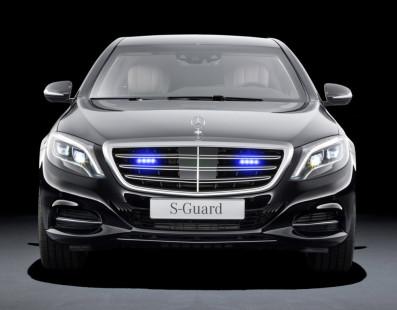 Mercedes S600 Guard vs the Apocalypse
