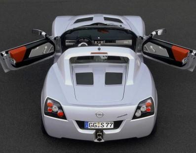Opel Speedster: Better Than a Lotus