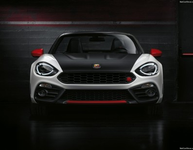 Abarth 124 Spider: Back to the Future