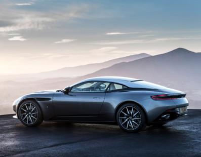 Aston Martin DB11 – Licenza di Uccidere