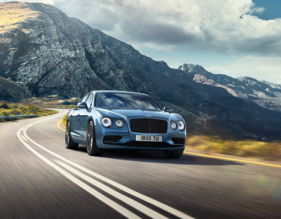 Nuova Bentley Flying Spur W12 S: Lusso e Velocità Al Vostro Servizio