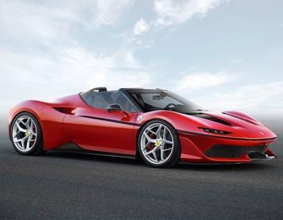 La J50 Festeggia I 50 Anni di Ferrari in Giappone
