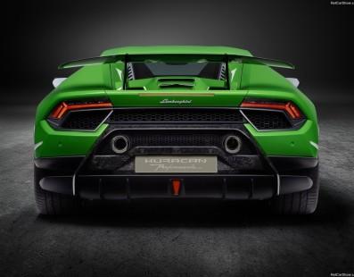Lamborghini Huracan Performante: Record o no, è Pazzesca!