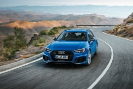Audi RS4 Avant: La Leggenda Continua
