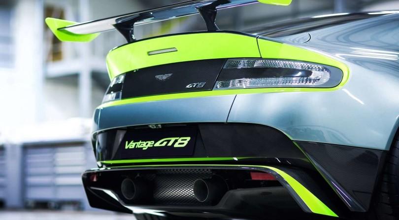 Aston Martin Vantage GT8: In Nomine Racing