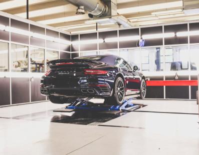 Capristo Turns On Crazy Porsche 911 Turbo Performance