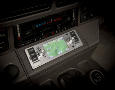 Now Your Classic Jaguar/Land Rover Can Fit A Modern Infotainment System
