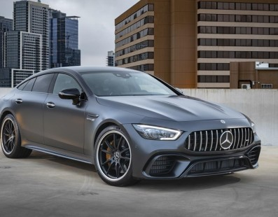 Mercedes AMG GT Coupé 4 Porte: Il Salotto Borbottante di Capristo