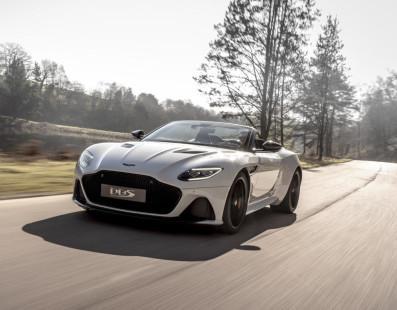 Aston Martin DBS Superleggera Volante: La Bellezza Viene Da Gaydon (con 715 cv)