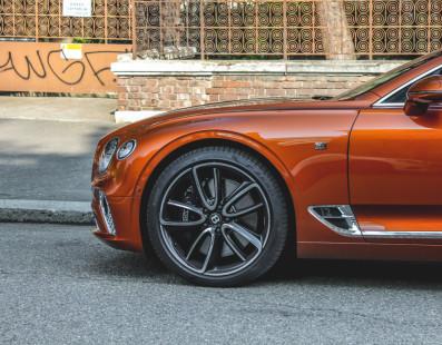 Pirelli PZero. Classy Tires For Luxury Cars
