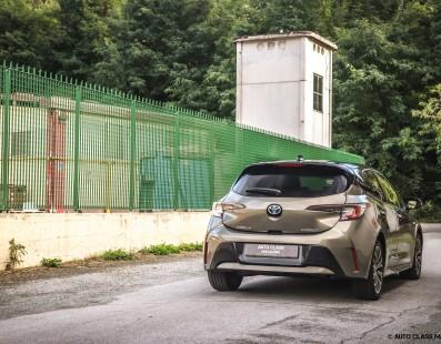 Toyota Corolla Hybrid   Test Drive