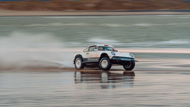 singer-all-terrain-competition-study-porsche-911-safari-slideAuto Class Magazine