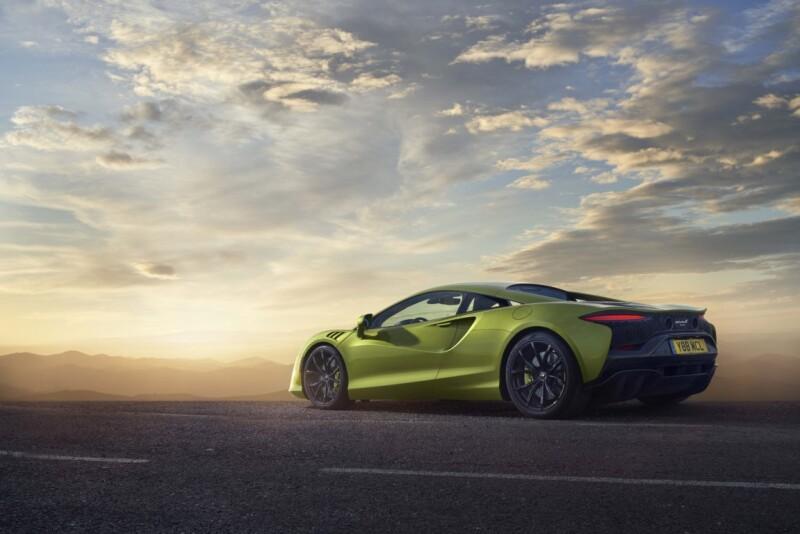 Large-12911-McLarenArtura Auto Class Magazine