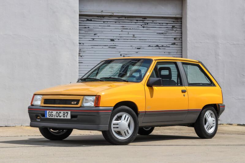 Opel-Corsa-A-GT-508588 Auto Class Magazine