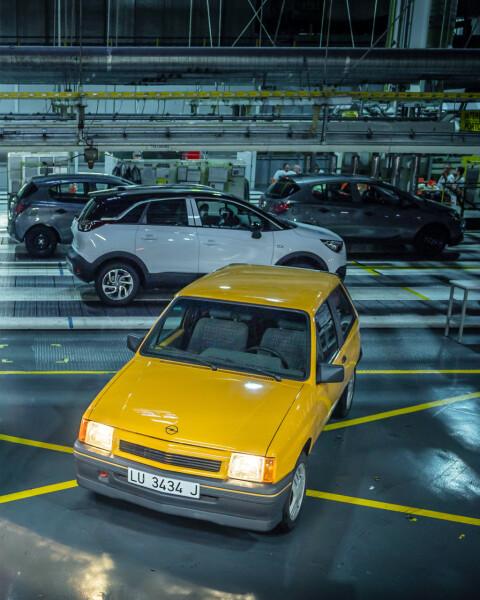 Opel-Corsa-A-GT-513450 Auto Class Magazine