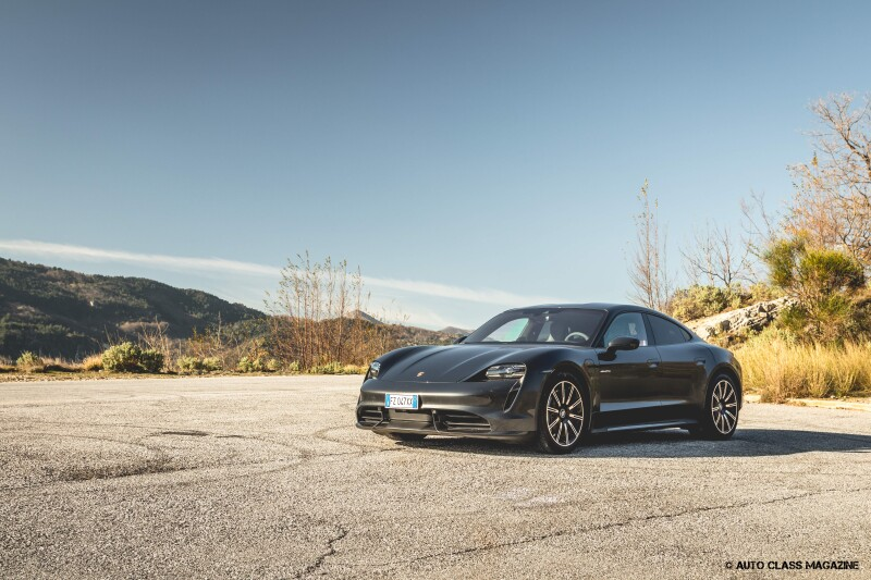 Porsche Taycan Turbo Auto Class Magazine _004