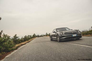 Porsche Taycan Turbo | Test Drive