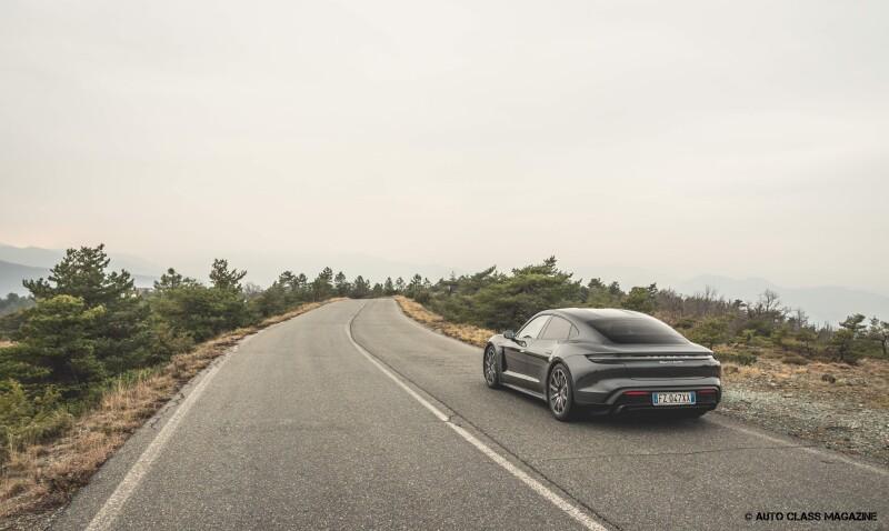 Porsche Taycan Turbo Auto Class Magazine _040
