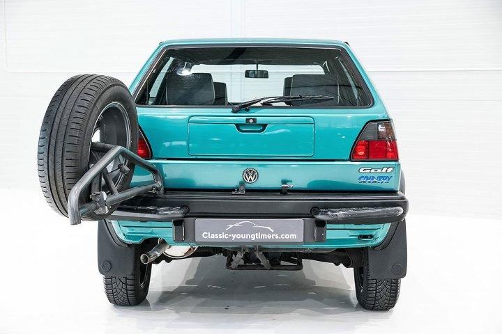 Volkswagen Golf Country Auto Class Magazine _008