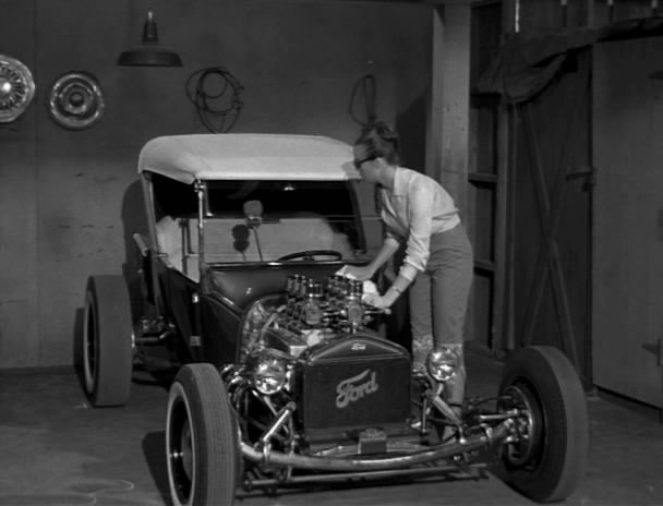 GHOST-OF-DRAGSTRIP-HOLLOW-hot rod 2 Auto Class Magazine