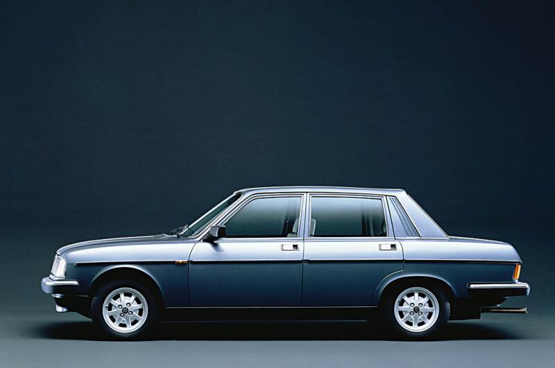 LHA120_BetaTrevi2.0VX1982_1983A_1024 Auto Class Magazine