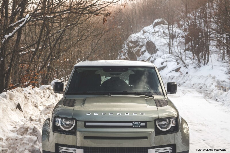 Land Rover Defender Auto Class Magazine _029