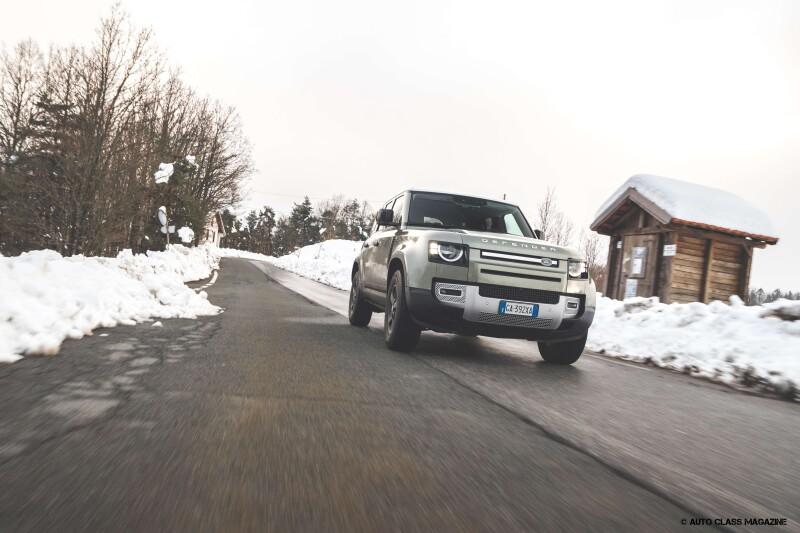 Land Rover Defender Auto Class Magazine _060