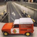 155833169_ French Toy Cars Auto Class Magazine