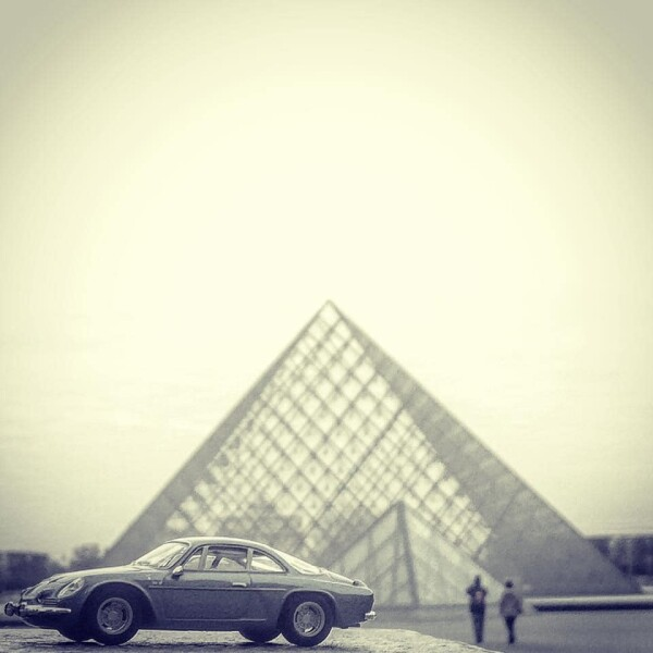 166628150 French Toy Cars Auto Class Magazine