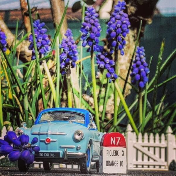 168506488 French Toy Cars Auto Class Magazine