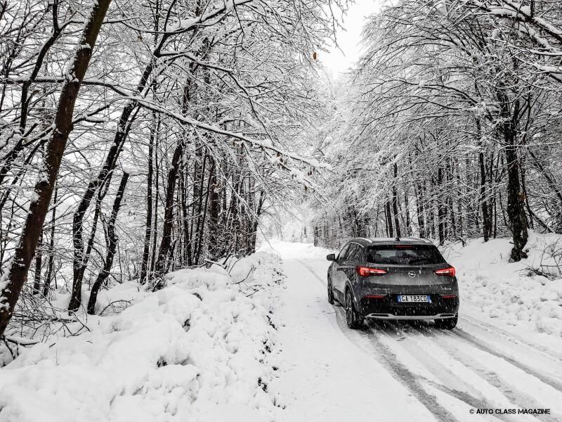 Opel Grandland X Hybrid Auto Class Magazine _018
