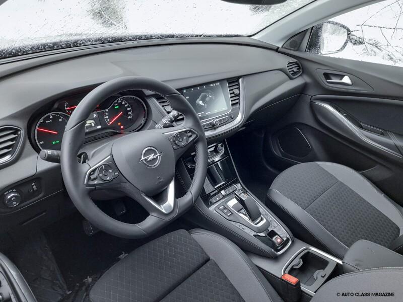Opel Grandland X Hybrid Auto Class Magazine _021